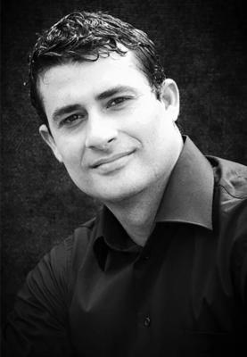 Luis Abella